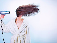 7 Tips Agar Rambut Tidak Rontok Parah, Kering dan Berketombe