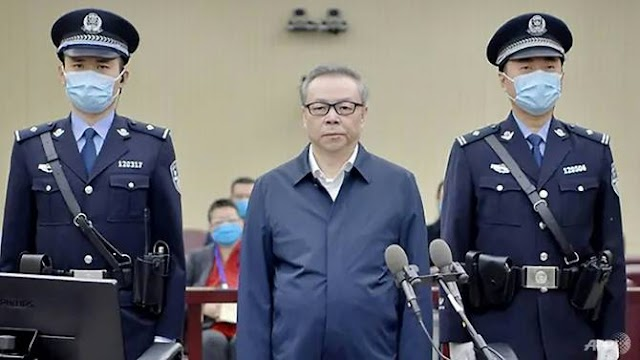China executes ex-banker Lai Xiaomin in corruption and bigamy case