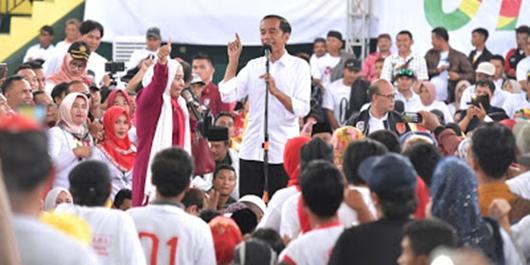 Simpatisan di Sukabumi ke Jokowi: Sekarang Urus Sertifikat Mudah