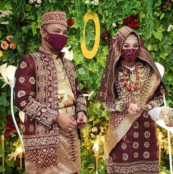 Jahit Masker Pernikahan