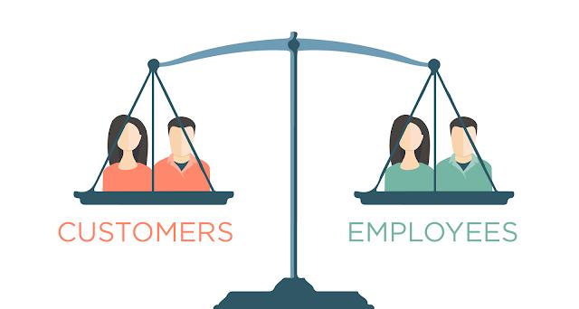 Phản hồi khách hàng nói lên điều gì về nhân viên?