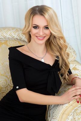 Oksana sucht ihren Partner via Partnervermittlung