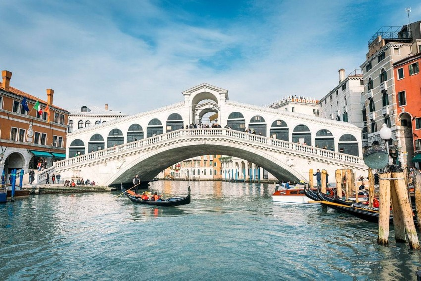 Venice Venice is located in northern Italy, and it is a picturesque island, with about 150 water channels, famous for its romantic atmosphere, and its ancient streets, which testify to the civilization of the city.