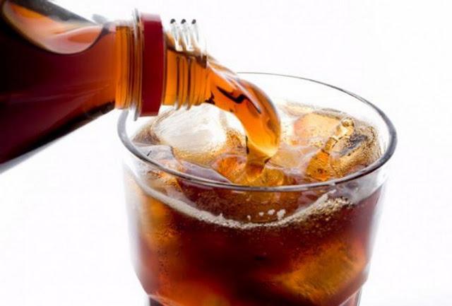 Inilah 8 Bahaya Mengonsumsi Minuman Bersoda  Bagi Tubuh
