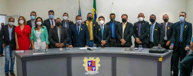 Prefeito participa de sessão para eleição de novo presidente da Câmara de Vereadores