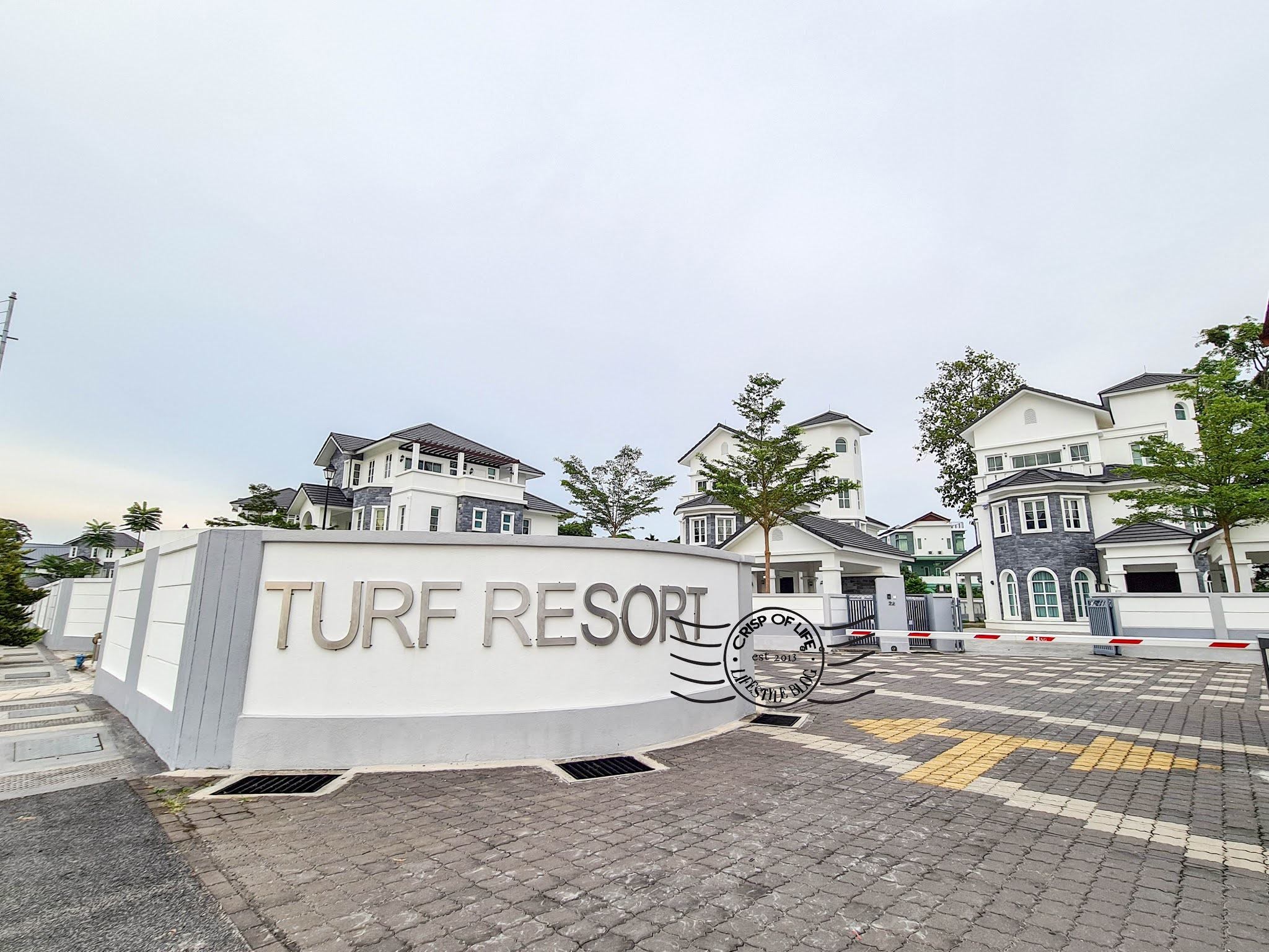 Turf Resort Penang - The Luxury European Castle Inspired Bungalow Homestay