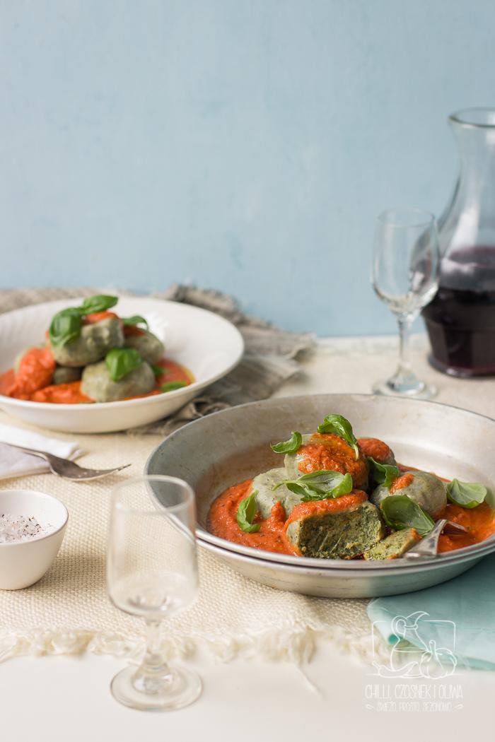 Gnudi (kluski) szpinakowe z sosem pomidorowo-maślanym / Chilli Czosnek i Oliwa