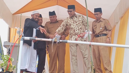 Gubernur Irwan Resmikan Percontohan Air Bersih di Ponpes Al Hafidz Ibnuhajar