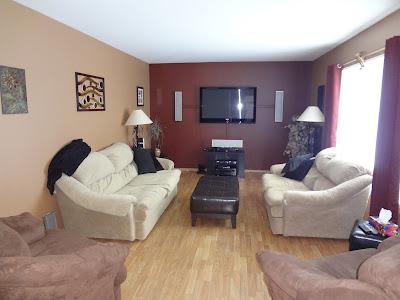 20 Burnett Bay- Carman, MB - Living room