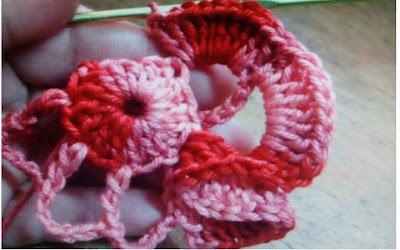 Crochê flor mesclada