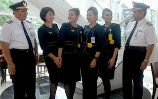 gaji pilot air asia,gaji pilot baru,gaji pilot tni au,gaji pilot garuda,gaji pilot lion air,pilot garuda,gaji pilot sriwijaya,gaji pilot,gaji pegawai,
