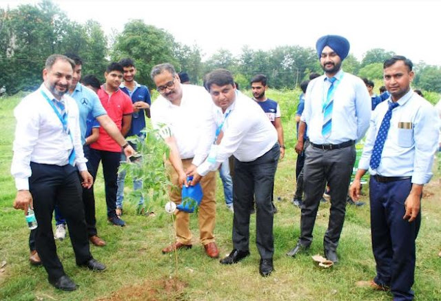 Mr. Paresh Johri, Income Tax Commissioner, Chandigarh (UT) and Mr. Parmeshwar Jha in a Tree Plantation Drive by Akash Institute in Chandigarh3