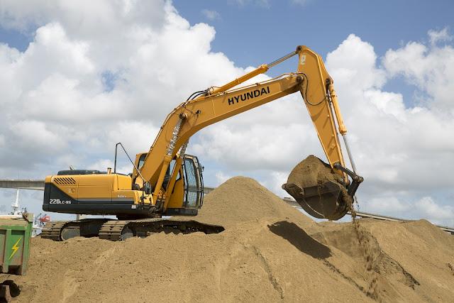 terre-scavo-roccia-macchine-escavatore-cantiere edile