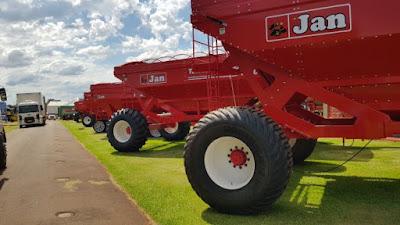 Máquinas e implementos já movimentam o 31º Show Rural Coopavel