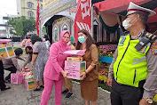 Ketua Bhayangkari Sumut Berikan Bingkisan Lebaran ke Petugas Pospam Cemara