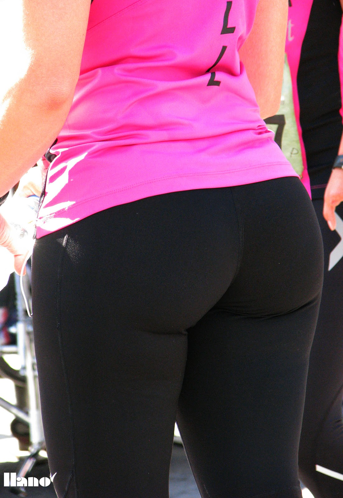 Girls In Tight Yoga Pants