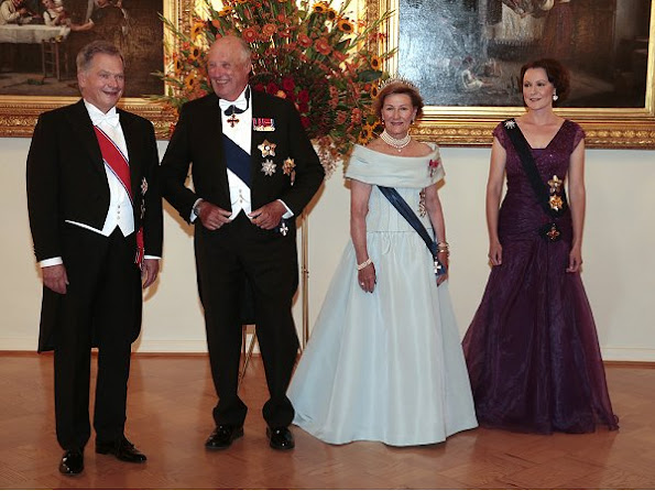 State visit of the King Harald and Queen Sonja in Finland, President Sauli Niinistö and his wife Jenni Haukio, Pearl brecelet, Pearl earrings, pearls necklace, gala dinner wore dress, gown, diamond tiara