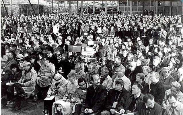 """Сентябрь 1986 года. Юрмала. В концертном зале """"Дзинтари"""" состоялась встреча представителей общественности СССР и США"""