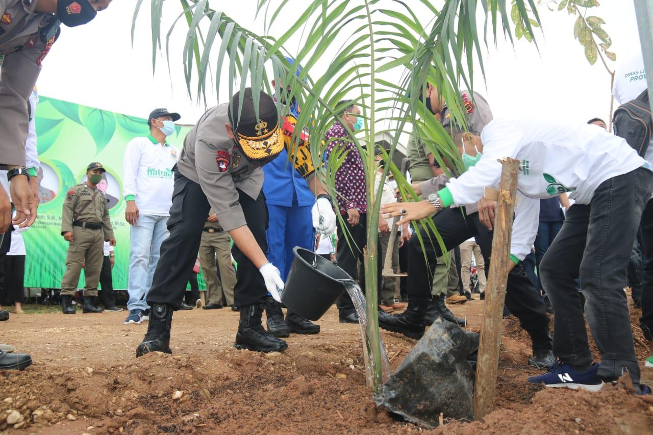 Kapolda Jambi Hadiri Peringatan Hari Lingkungan Hidup Sedunia di Samping Pasar Angso Duo