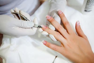 http://www.academiacolors.com/2018/01/curso-manicura-y-sus-tratamientos-cemm.html