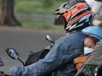 Jangan Sembarangan, Begini Cara Bijak Berboncengan Sepeda Motor