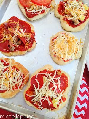 Pizza Valentine Ideas @michellepaigeblogs.com