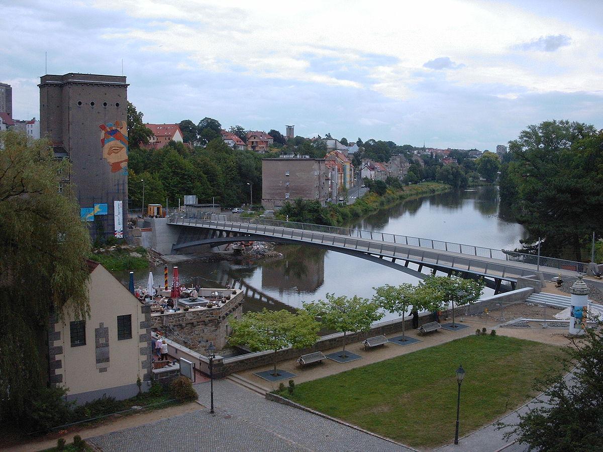 Мост между городом Згожелец и Гёрлиц