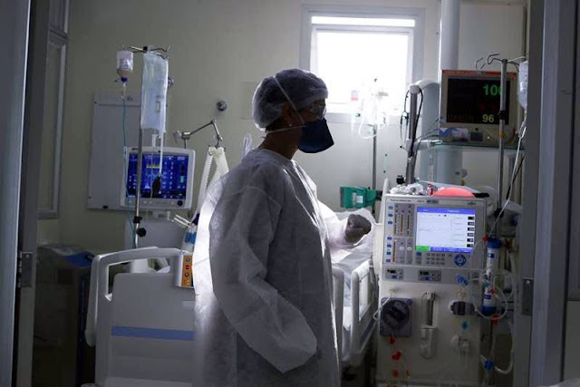 """Brasil vive mês mais letal da pandemia, com a piora no atendimento de pacientes: """"Muitos não morreriam"""
