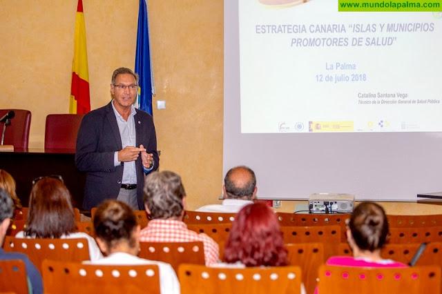 José Juan Alemán presenta la Estrategia Canaria 'Islas y Municipios Promotores de la Salud' en el Área de Salud de La Palma