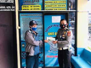 Petugas BPKB Sat lantas Polres Enrekang Berikan Pelayanan Prima dan Menerapkan Protokol Kesehatan