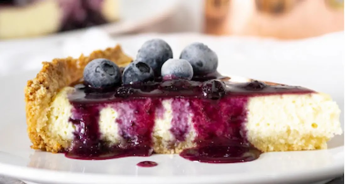 LOW CARB KETO BLUEBERRY CHEESECAKE