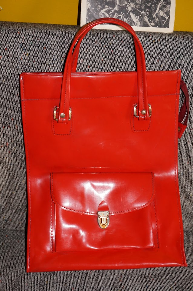 70s red tote bag vinyl cabas patent 1970s années 70
