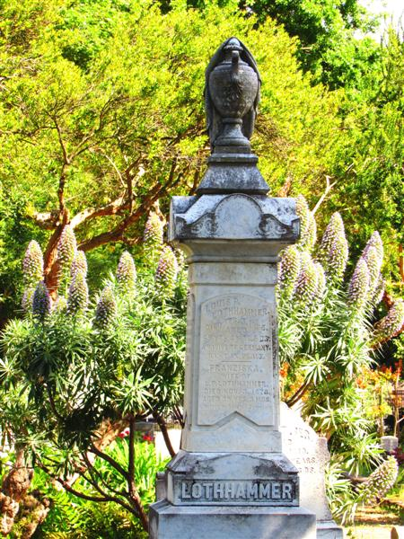 Adorned With Beautiful Statues, Dramatic Markers And Lush Gardens,  Sacramento Historic City Cemetery (1849) Is An Outdoor Museum Recording  California ...
