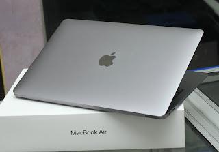 MacBook Air 2019 Core i5 13-inch Fullset malang