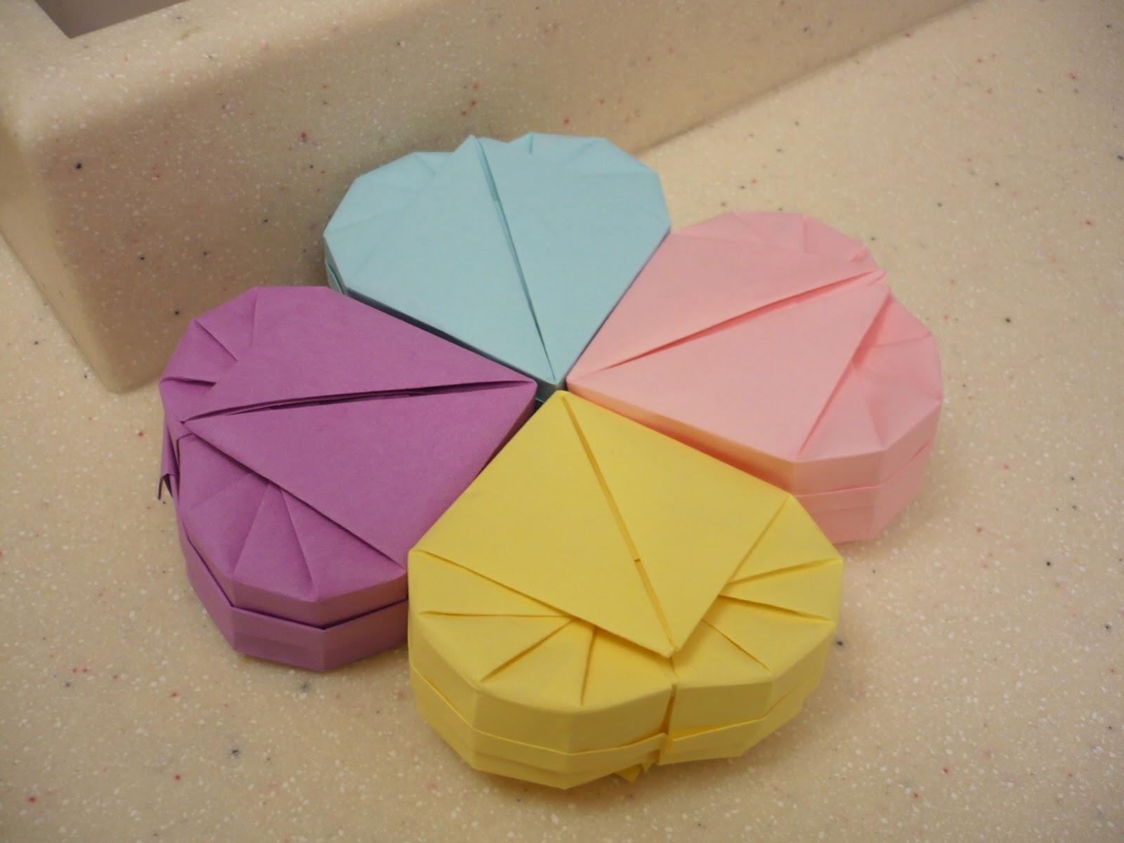 How to make a heart box (origami) | Caixa de origami, Trabalhos em ... | 1200x1600