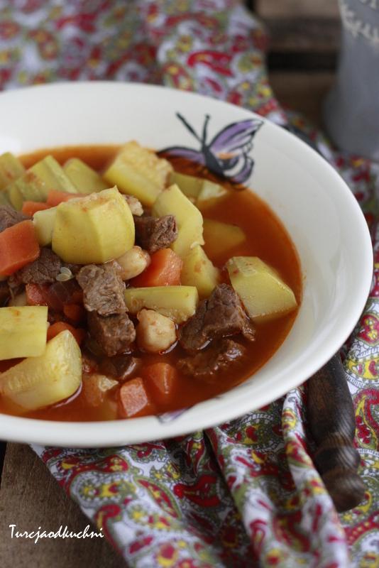Mięsna potrawka z cukinią / Etli kabak yemeği