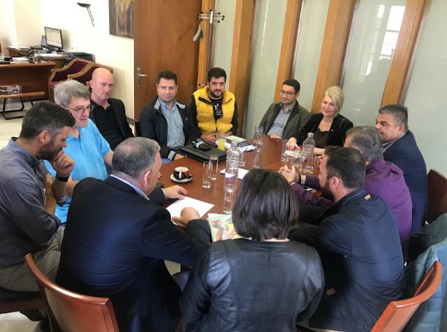 Φθιώτιδα : Κοινή σύσκεψη Δημάρχων για την αντιμετώπιση των αδέσποτων ζώων