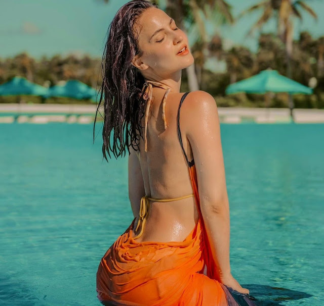 Elli AvrRam sets the internet on fire with her skimpy monokini pictures