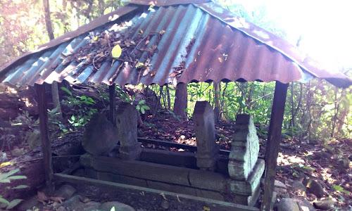 Kompleks Makam We Tenrijelling Petta Guru, Bulu Lampang, Kec. Soppeng Riaja