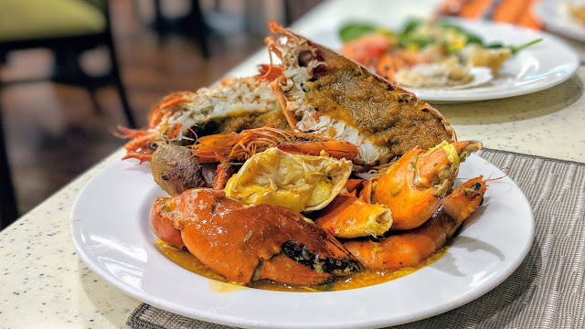 Ginger at Park Royal Beach Road Buffet - 25% off unlimited lobsters and crabs!