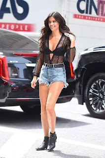 Sara-Sampaio-Out-in-Midtown---New-York-13+%7E+SexyCelebs.in+Exclusive.jpg