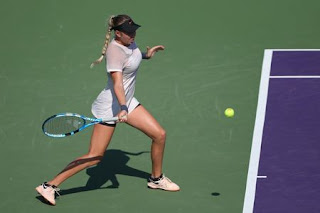 Anisimova stuns Wang in Miami