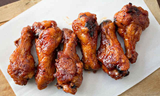 https://www.anightowlblog.com/crispy-baked-honey-bbq-wings/