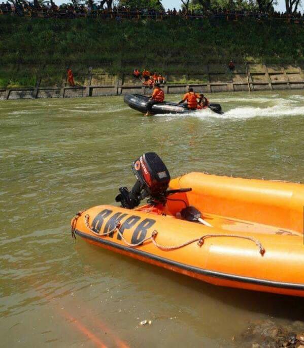 Bocah Tenggelam di Bantaran Sungai Kota Madiun Ditemukan