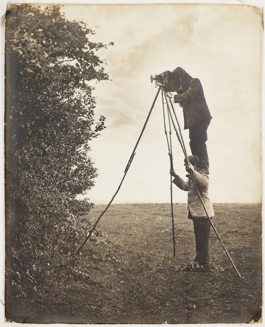 Le folli invenzioni di due pionieri della fotografia naturalistica