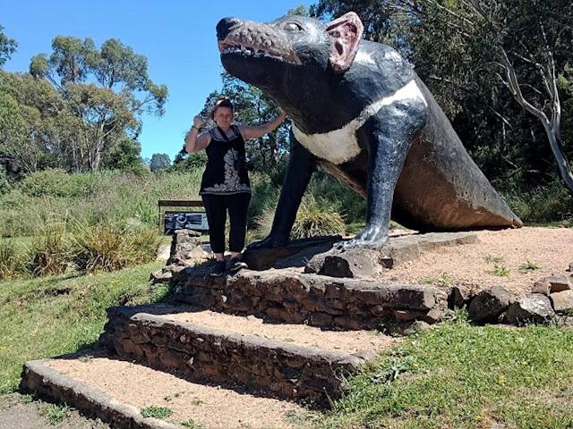 BIG Tasmanian Devil in Mole Creek | BIG Things Tasmania