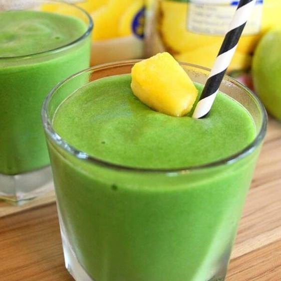 """""""MEAN GREEN MACHINE"""" SMOOTHIE RECIPE #Drink #ad"""