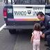 Padres abandonaron a su hija de dos años en una autopista