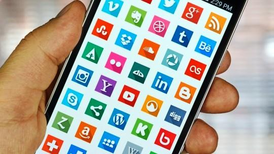The Top 5 Entertainment Apps You NEED on Your Phone 1