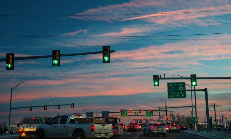 Mematuhi Lampu Merah, Edukasi Safety Riding dari Astra Motor Kalbar Untuk Siswa SMPN 21 Pontianak
